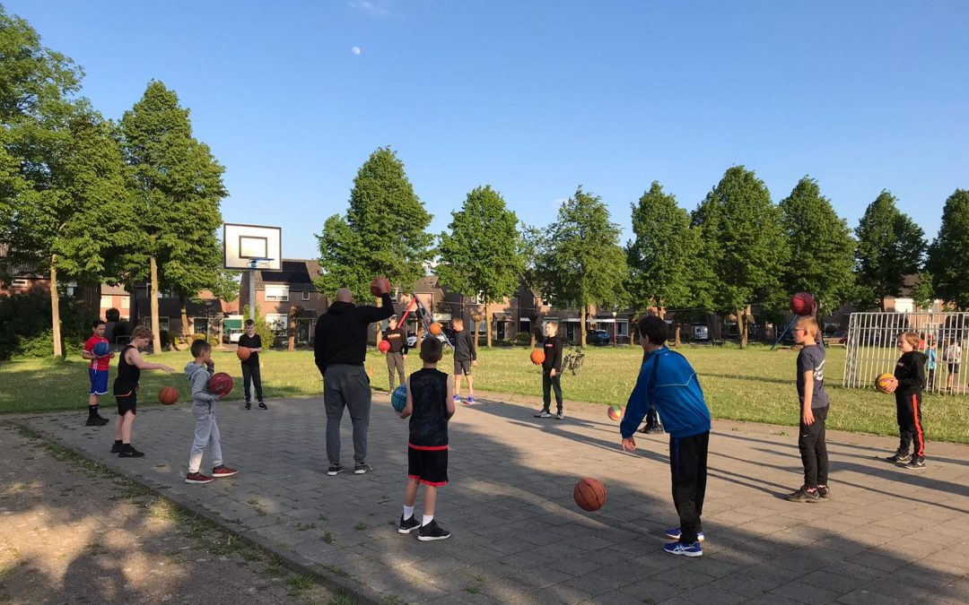 Basketball Club Lieshout geeft buitentrainingen voor Laarbeekse jeugd van 6 t/m 12 jaar